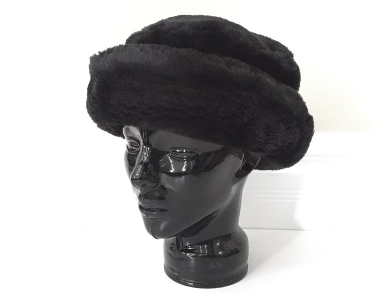 53546af004b Womens Fur Hat Winter Hat Faux Fur Hats for Women Black