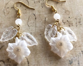 White Flower Earrings, Garden Treasures Earrings, Drop and Dangle Style, Flowers, Handmade Earrings