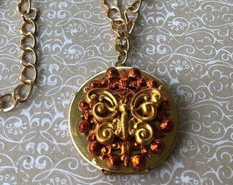 Butterfly Locket, Vintage Style, Handmade Jewelry, Perfect gift for Her, Jewelry Set