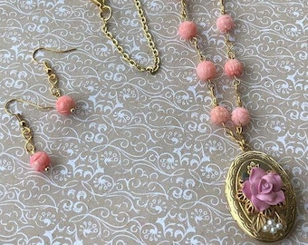 Vintage Brass Locket, Vintage Style, Handmade Jewelry, Perfect gift for Her, Jewelry Set
