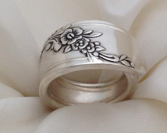 Spoon Ring, Queen Bess 1946, Choose Your Size,Vintage Silverplate, Silverware Jewelry