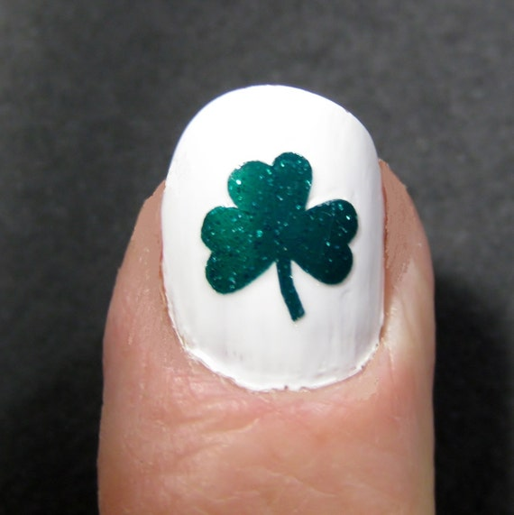Shamrock St. Patrick\'s Day Toe nail / finger nail art /