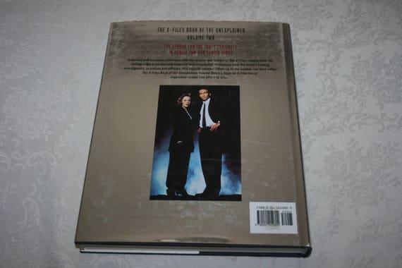Housse Vintage Livre Jaquette X Files Livre De L Inexplique Volume 2 Par Jane Goldman Serie Televisee 1997 Chris Carter