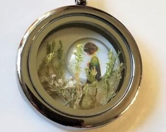 Girl in the Garden Locket Necklace, Pressed Flower Jewelry, Terrarium, Green Moss Pendant , Moss Woodland Necklace Botanical