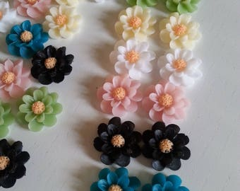 Retro, 60s style, 3d daisy, daisies, clip on earrings, choose colour, rockabilly, rock n roll, by  NewellsJewels on etsy