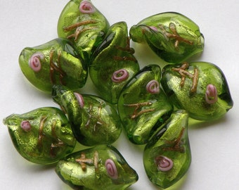 Lampwork Glass Twist Beads / Lime Green / Set of 10