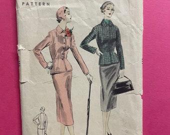 Vogue 7936 COMPLETE Vintage Sewing Pattern for Misses Suit Bust 30