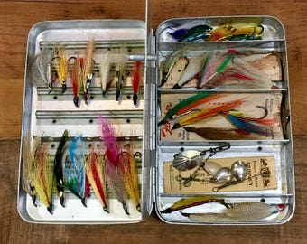 Vintage Fly Fishing Lure Fly Box Case Plus Assortment of Old Hand-tied Flies / Lures / Tackle Box