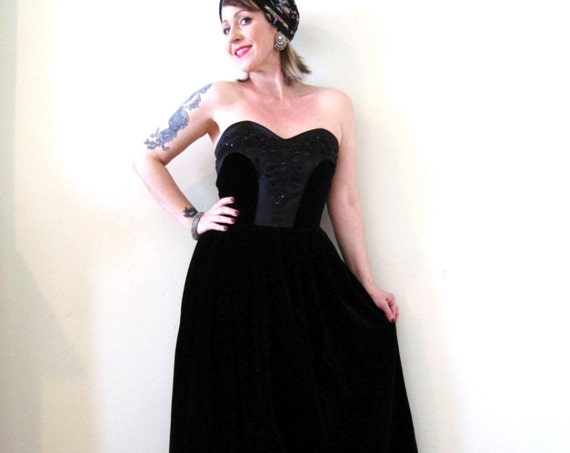 vintage 90s does 50s black velvet midi dress strapless bustier beaded cocktail party formal Holiday party