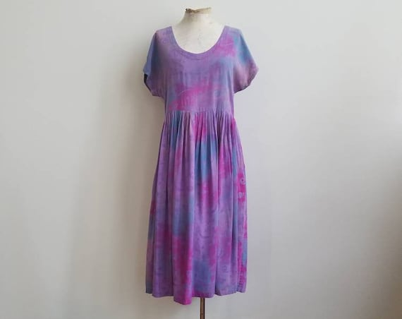vintage 90s rayon babydoll dress celestial tie dyed print muted lavender pockets empire waist cap sleeve artwear Japanese