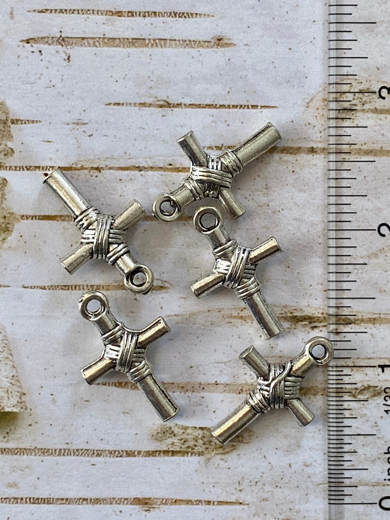 5 Fancy Silver Cross Charms SHOP CLOSING qty 5 B4 24X18mm Silver Cross Pendant Cross Charm