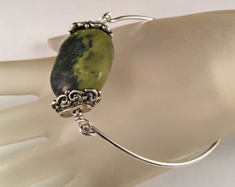 Sterling Silver Bangle Bracelet with Marble Green Agate Gemstone, Hammered Silver Bangle, One of a Kind, Fits a 7.5 Inch Wrist or Smaller