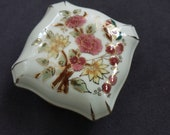 Vintage Hungarian Porcelain Covered Trinket or Dresser Box, Zsolnay, Hungary