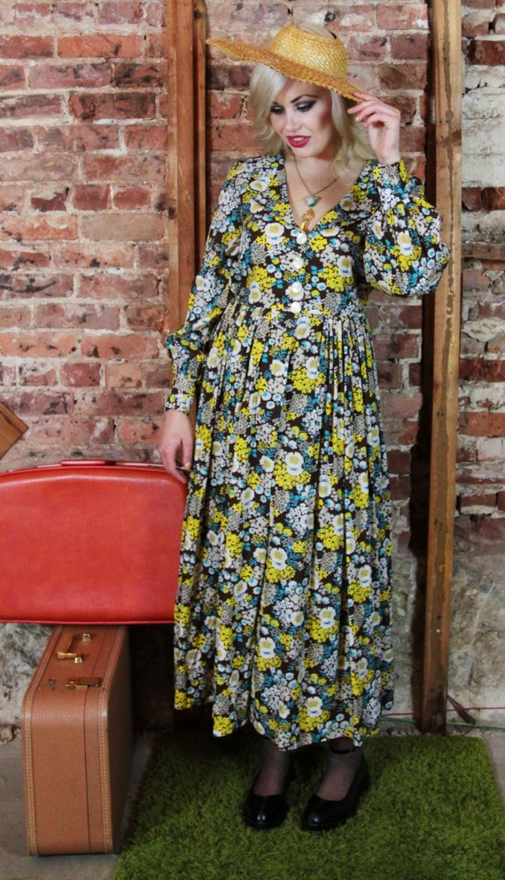 1960s Handmade Boho Hippie Floral dress