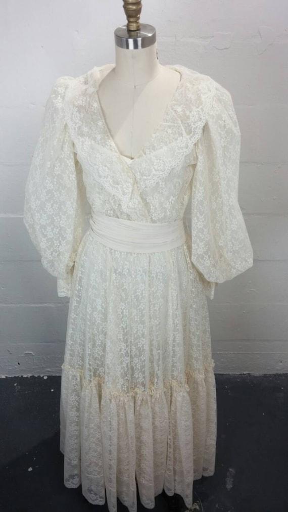 Vintage Boho wedding dress by Bonnie Strauss