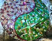 YinYang Mirror Mosaic Sun Catcher, Pink and Green Yin Yang, Green Pink Yin Yang, Zen Garden Art, Taijitu, Glass Yin Yang, glass sun catcher