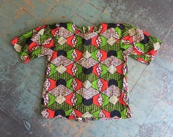 Vintage handmade Nigerian block print short sleeve button up back blouse // retro mod boho hippie ethnic // puffy shoulder top