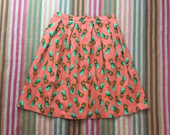 Preloved pineapple print skirt by Ixia // size small // back to school // fall fashion