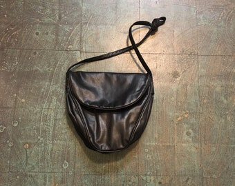 Vintage 80s 90s black cross body shoulder bag convertible handbag purse // new wave street style