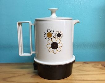 Vintage 5 cup automatic regal poly hot pot