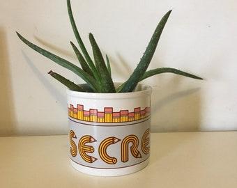 Vintage 80s 1987 SECRETARY pencil holder plant pot // retro kitsch kitchen home // souvenir gift