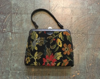 Vintage woven floral tapestry upholstery carpet hand bag purse // boho hippie retro mid century classy