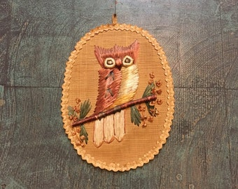 Vintage 70s owl wall hanging plague // 1970s retro kitsch hippie gypsy boho home decor