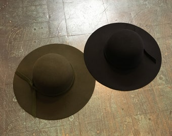 Wide brimmed round felt floppy hat // one size fits most // fall winter 2018