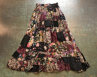 VIntage 90s floral patchwork gypsy skirt // size small S // distressed shabby chic boho gypsy hippie grunge // fall fashion