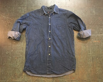 Men's vintage 90s chambray denim long sleeve button up shirt // size medium // fall western boho grunge normcore