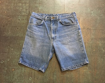 Vintage 80s 90s Chase Run denim shorts // size 32 // high waisted well worn faded distressed denim