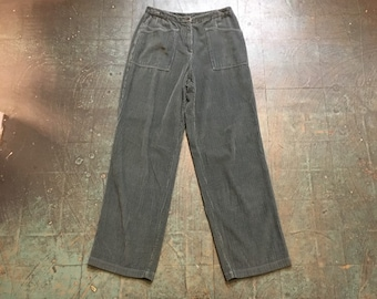 Vintage 90s baggy fit wide wale corduroys // 30 waist 32 inseam // high hi rise waisted wide leg