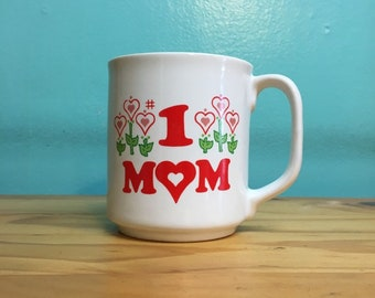 Vintage Number One Mom coffee mug // retro kitsch // kitchen home goods // Mlthers Day birthday gift under 20