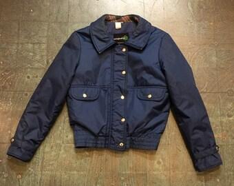 Vintage 70s 80s zip up ski snow coat jacket // size Large // winter wear outerwear // sled sledding // navy blue plaid