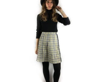Vintage 70s wool pleated plaid wrap skirt with fringe // size small