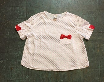 Vintage 70s 80s tiny heart print cropped boxy pocket top with Polka dot bows // size large L // retro rockabilly cutsie Valentine's Day
