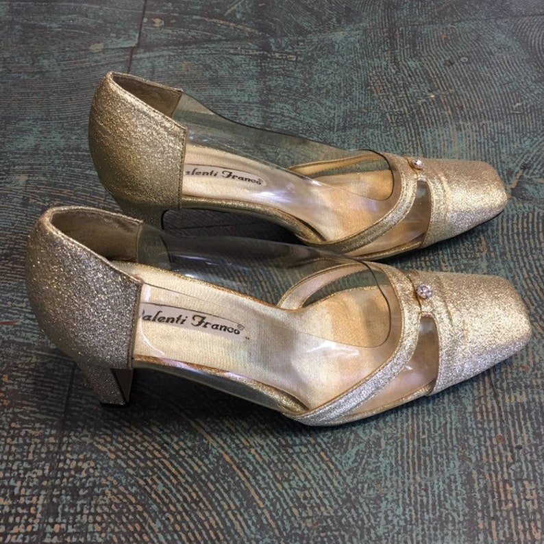 100679e78a2b2 Vintage 50s 60s style Valenti Franco gold glitter pumps // size 8 // slip  ons glam formal cocktail heels retro Gucci style