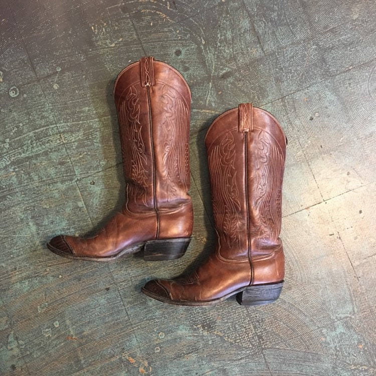 cee0dec7f5d Vintage Tony Lama brown leather boots with western stitching // size ...