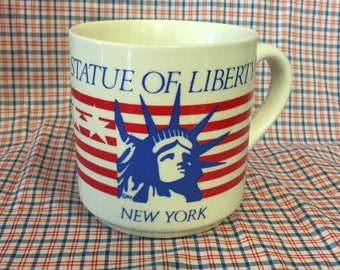 Vintage 70s/80s Statue of Liberty New York coffee tea mug // retro kitsch kitchen home // NYC America  souvenir gift