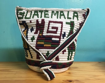 Vintage handmade 70s guatemala folk art deities woven bucket shoulder bag purse // Woodstock boho hippie gypsy festival // spring 2018