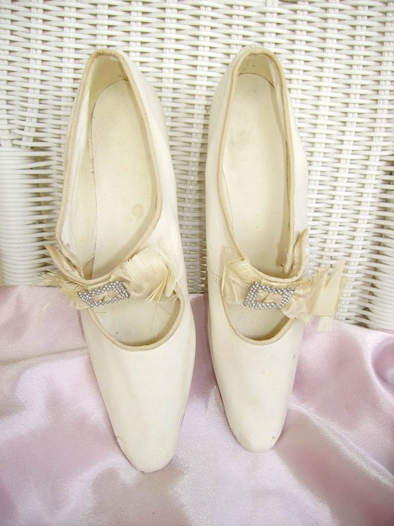 Vintage 1930's White Leather Wedding Shoes/Vintage