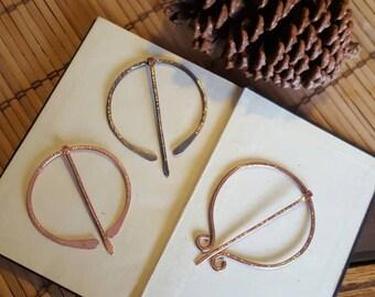 Copper Shawl Pin, Penannular Brooch | Hand Forged Copper Cloak Pin | Celtic Penannular Pin | Metal Cloak Pin Medieval Viking Druid Scottish