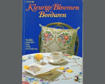 Vintage Japanese Flower Embroidery Craft Book in Dutch