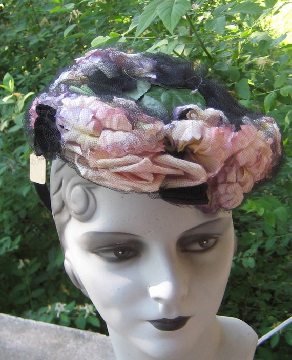 Fab Vintage 1930s 1940s Tilt  Hat With Pink Purple
