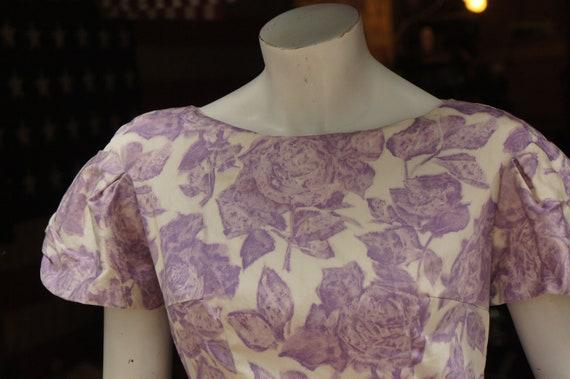 Vintage 50s Purple Floral Rose Print Dress /Retro… - image 2