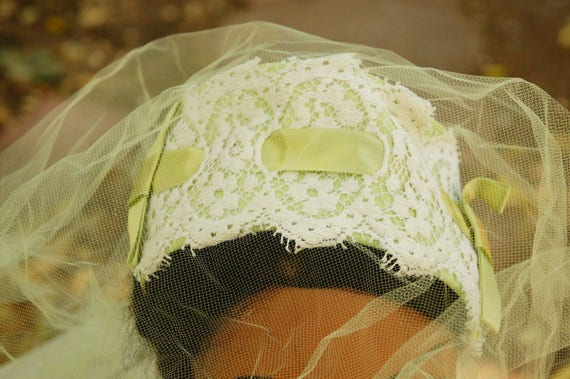 Vintage 50s Green Facinator Veil Hat/Wedding/High… - image 4