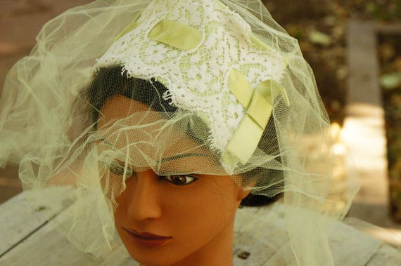 Vintage 50s Green Facinator Veil Hat/Wedding/High… - image 2