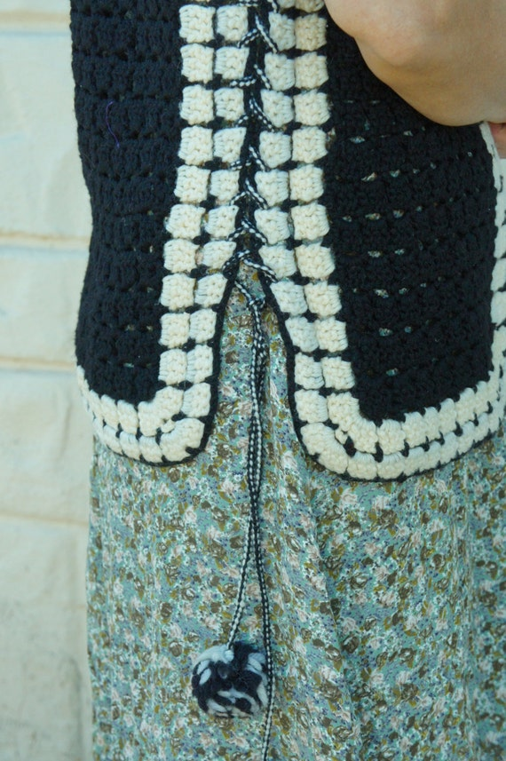 Vintage 70s Crochet Knit Sweater Vest/ Retro/ Boh… - image 3
