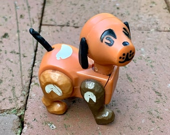 Vintage Fisher Price Little People Brown Dog - hex screw bottom -  family farm brown dog white spots - Made in Hong Kong - barnyard dog (D6)