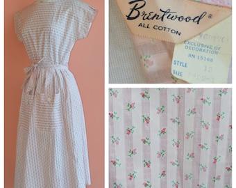 True Vintage 1940s/1950s Pink Stripe Mini Rose novelty swirl cotton soft pink wrap dress, double pockets w buttons, sweet ric rack detail